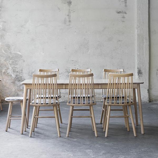 HansK ZigZag-ruokapöytä ja -tuolit